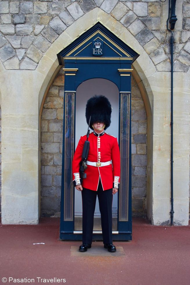 windsor-castle-standing-guard