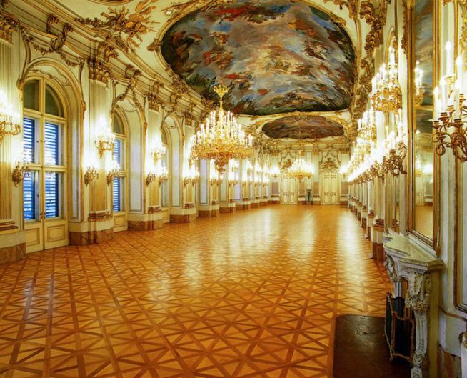 schonbrunn-palace-great-gallery