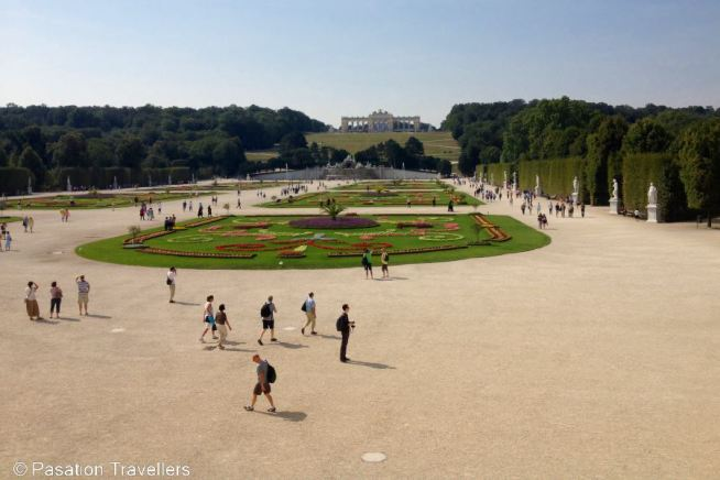 schonbrunn-palace-great-parterre