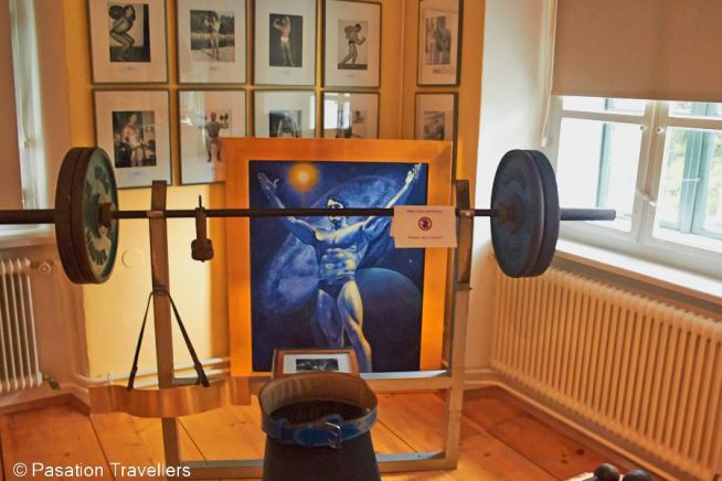 arnold-schwarzenegger-museum-exercise-equipment