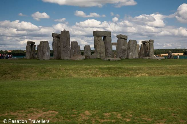 stonehenge-from-behind
