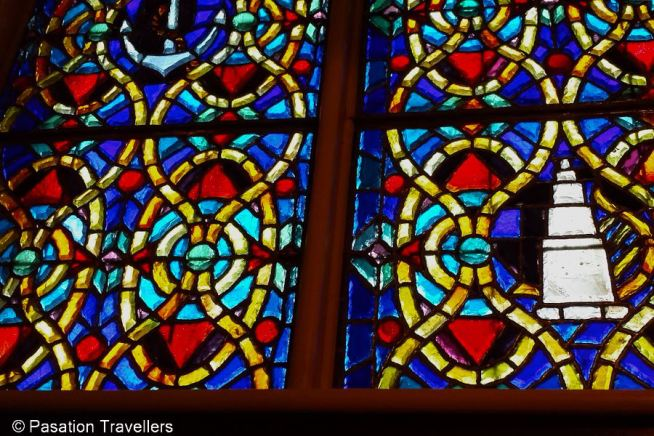 winter-in-montreal-48-hours-family-adventure-notre-dame-basilica-stained-glass
