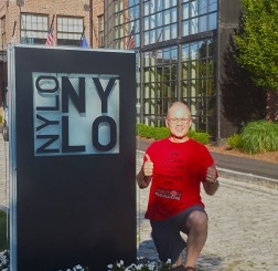 nylo-outside-view-thumbs-up-warwick-providence
